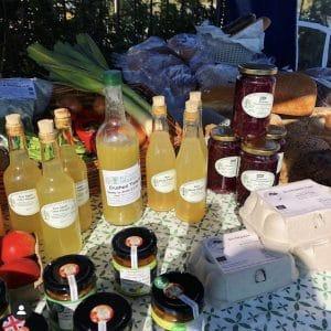 Raw fruit juices and chutneys